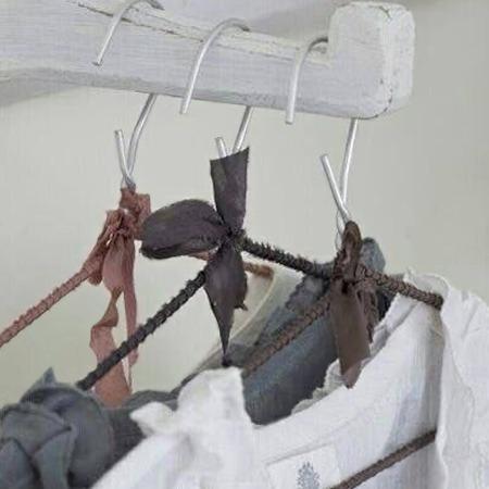 gantungan baju kawat