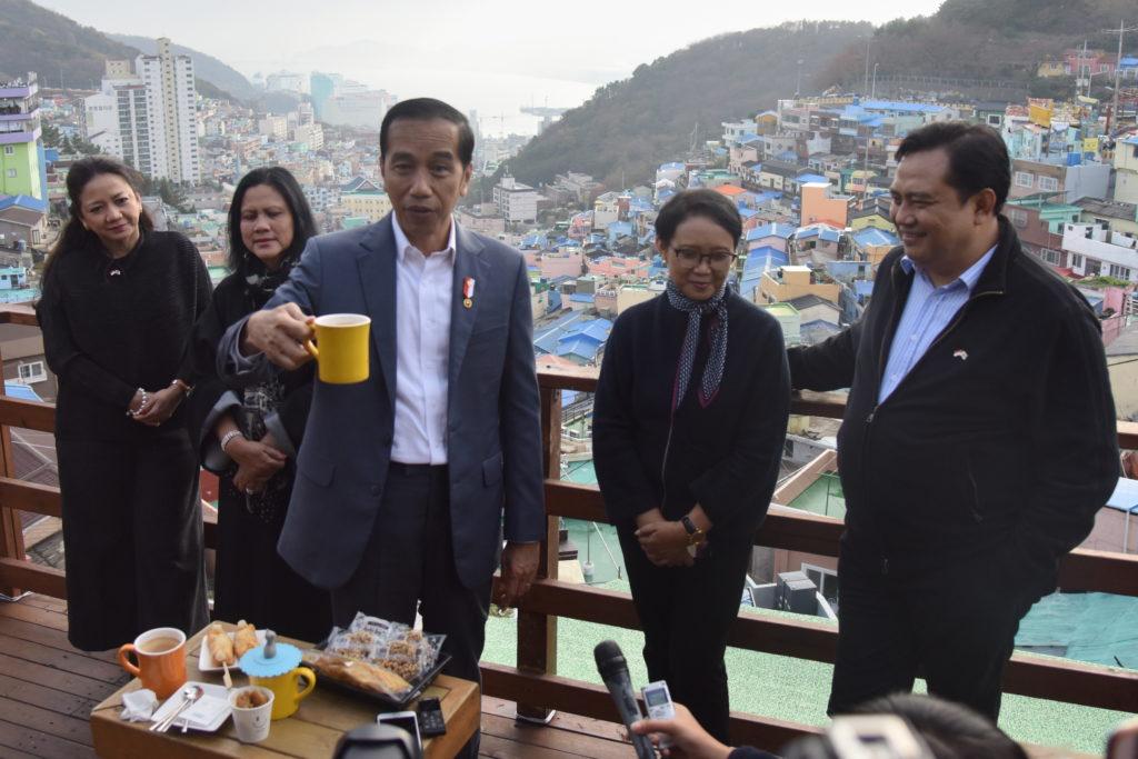 presiden joko widodo di gamcheon