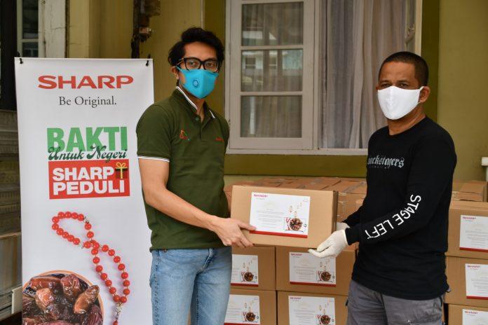 SEID Mendonasikan Sembako ke Freelancer yang Telah Mendukung Sharp