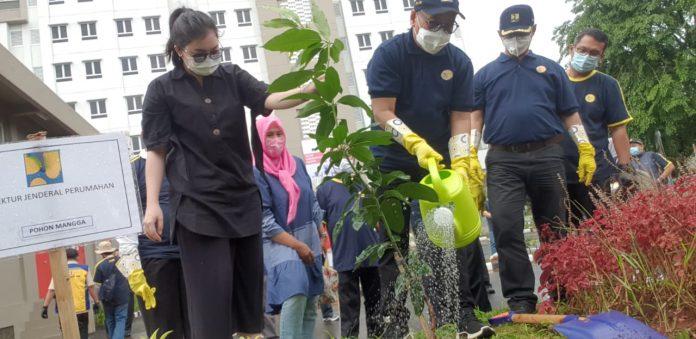 Ditjen Perumahan Kementerian PUPR Gelar Penghijauan di 23 Rusun
