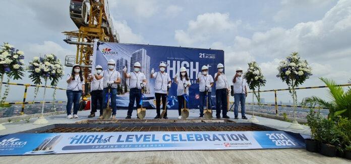 Topping off ceremoy tower Azure Klaska Residence Surabaya