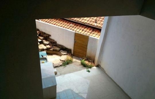 tanah helikopter di rumah eko bandung